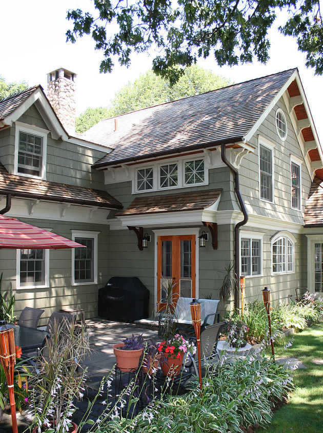 cape cod transformed to craftsman style with home renovation, curb appeal