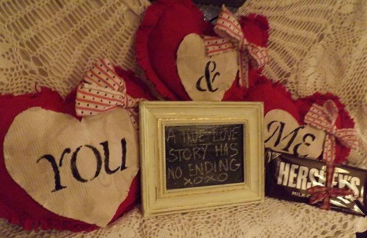 valentine pillow talk, chalkboard paint, crafts, seasonal holiday decor, valentines day ideas