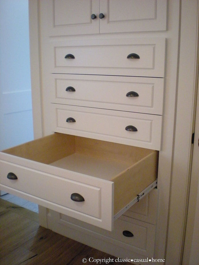 Built in drawers instead of a dresser saves space.