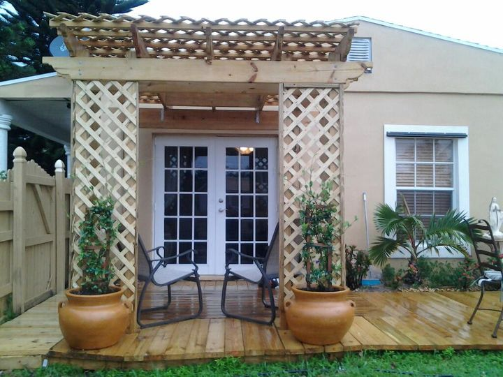 Trellis with deck and planters with Confederate Jasmine