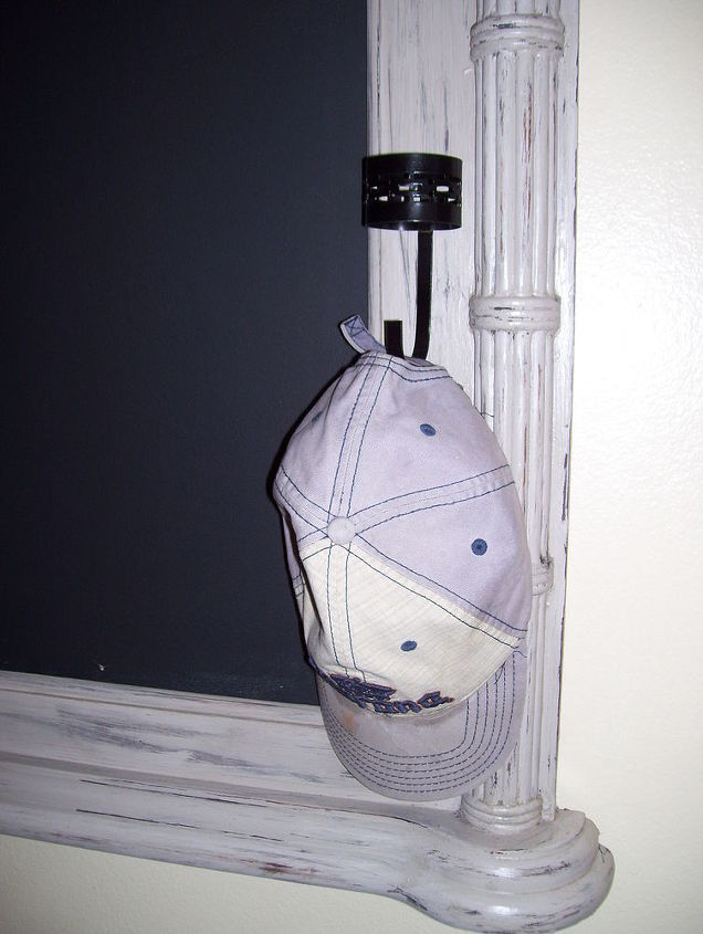 Hat rack included!!