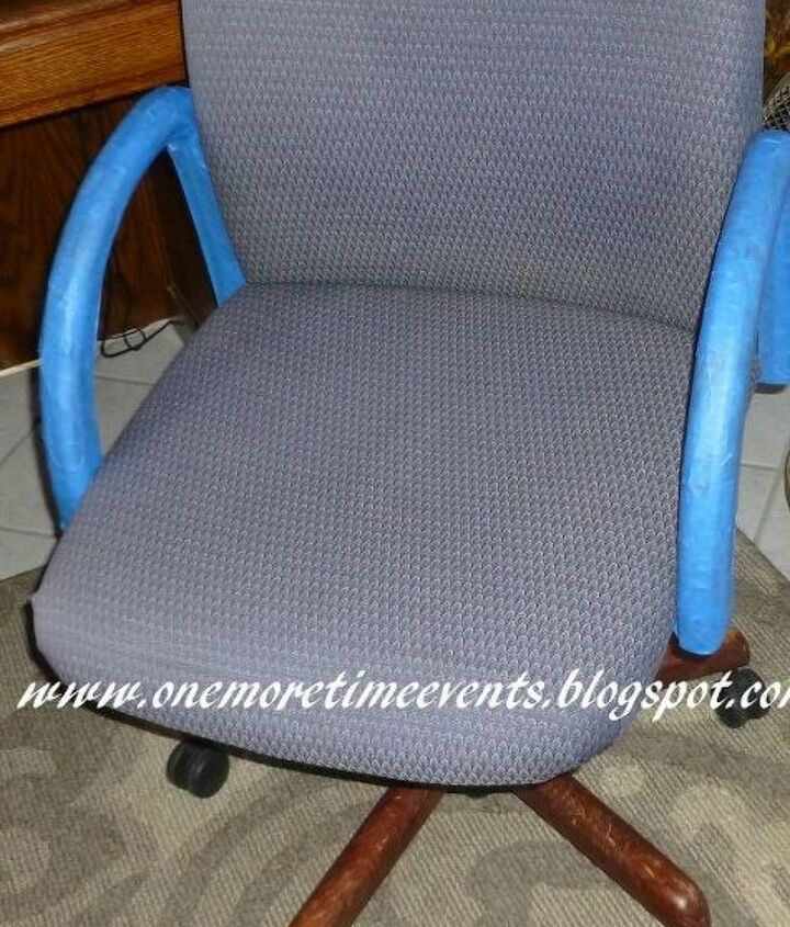 Cloth Chair Before Faux Makeover