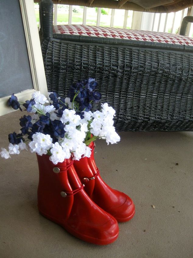 adding rain boots to a summer porch junegarden, flowers, gardening, repurposing upcycling