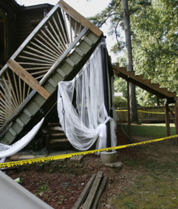 This Lawrenceville, GA deck collapsed in 2009 during a wedding party!
