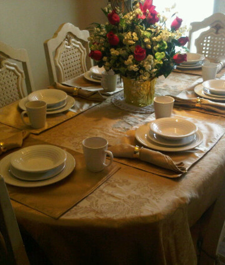 My twins set the table lol