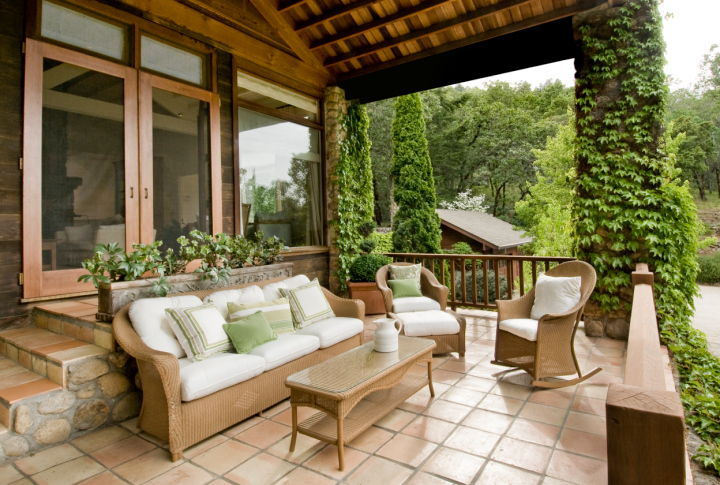how to choose the right method for enclosing your patio, decks, patio