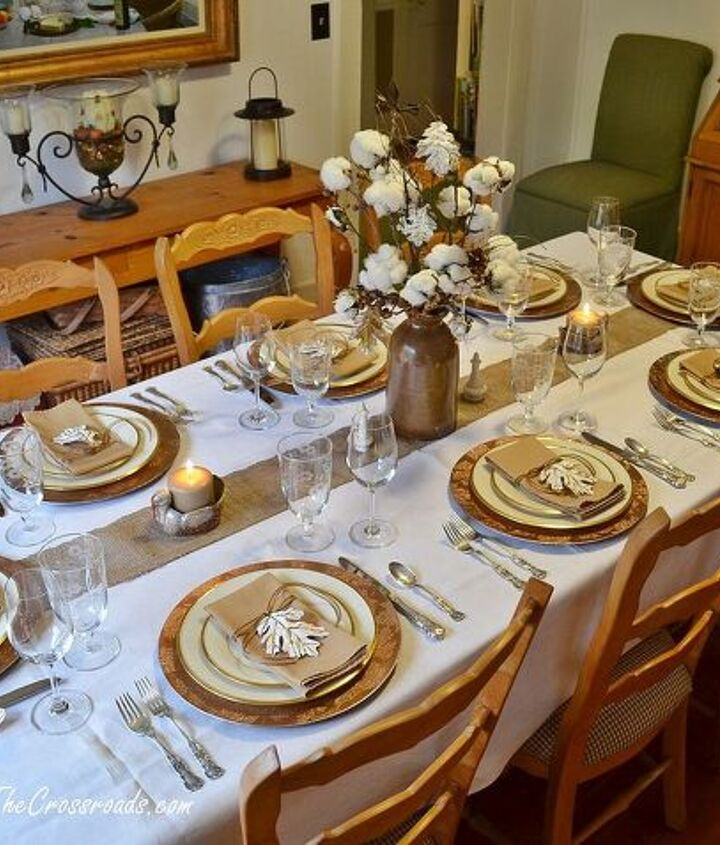 Rustic and Refined Thanksgiving Tablescape