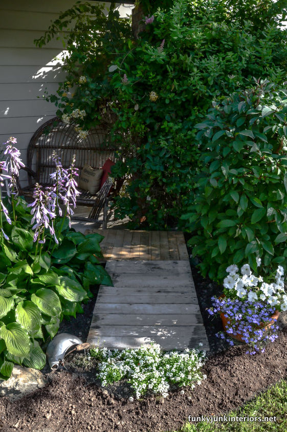 A two pallet walkway resides in front of a little sitting area by my front door. It's perfect!