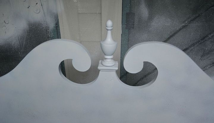 Here is the center of the headboard with the medallion reattached.