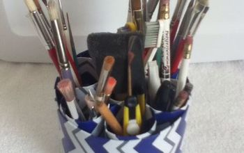 do it yourself organizer, organizing, Ok now you can fill the container with whatever you want make up pens pencils or paint brushes like I did