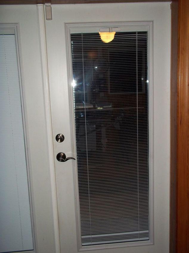 q mysterious moving door hinge, doors, home maintenance repairs