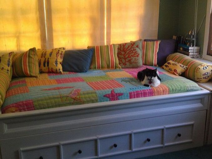 day bed and trundle, painted furniture, repurposing upcycling, woodworking projects, Day bed with Trundle