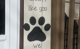 pallet wood signs, crafts, home decor, painting, pallet, woodworking projects, This was made for our local city pet benefit auction might make one for myself though