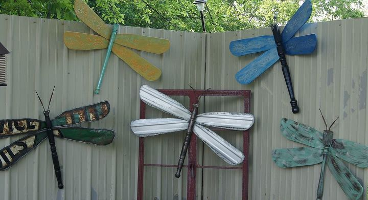 various dragonflies made with different materials.
