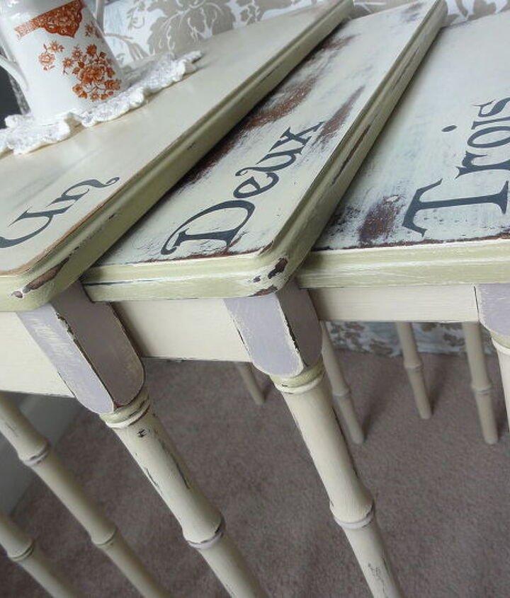 now you can see the pretty bamboo styled legs, painted furniture
