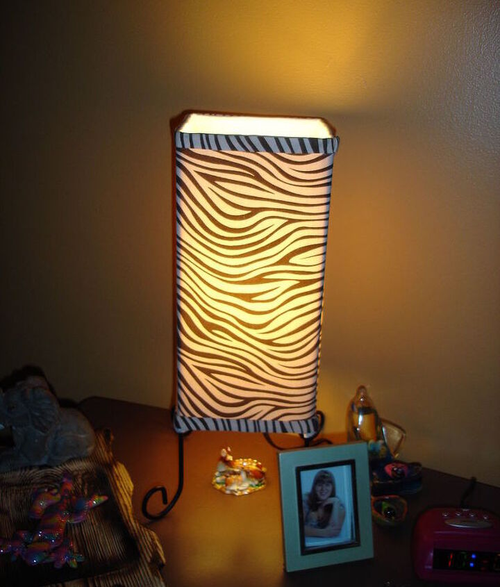Funky tiger print bedside table lamp!