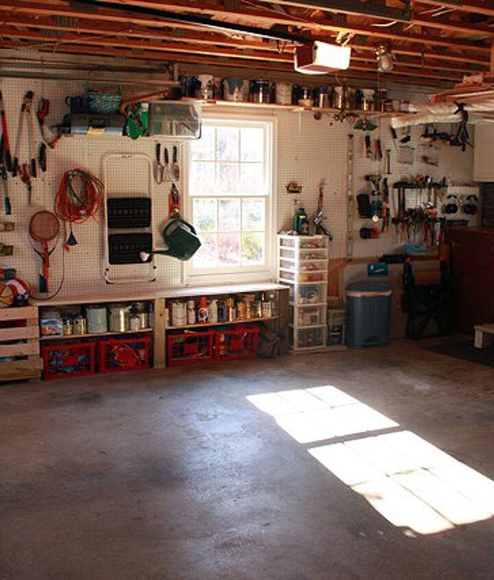 Aaaahhh. An organized garage/workshop.