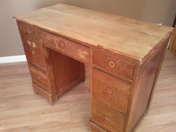 Salvaged Wood Desk Transformed With Chalk Paint Bubble Wrap And Faux Leather