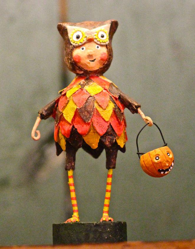 Mr. Owl (VIEW SEVEN)