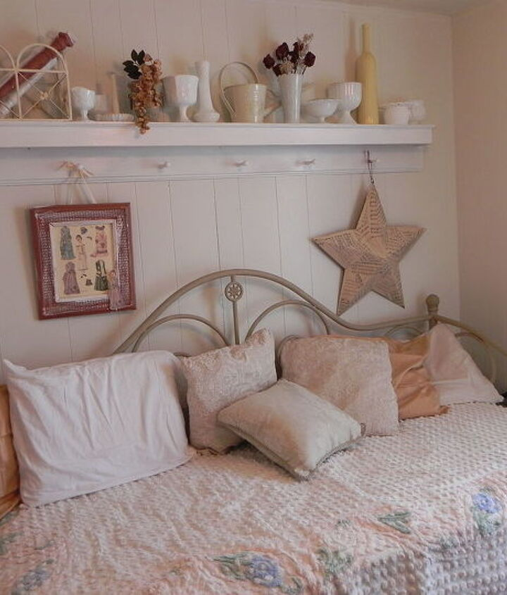 Daybed with chenille