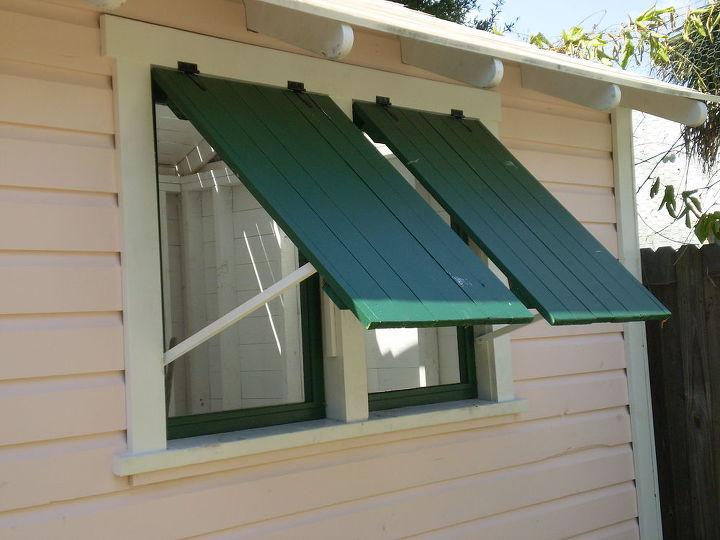 Batten shutters over screens allow for air flow