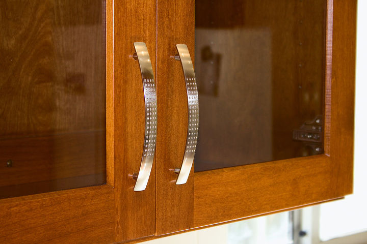 They had great taste in the finishing details. These cabinet pulls by Hickory were a perfect finish to the alder Shaker style cabinets.