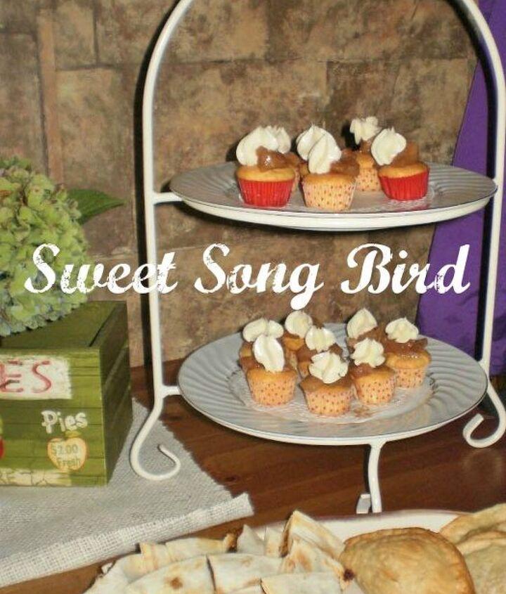 Apple Pie cupcakes with caramel buttercream!