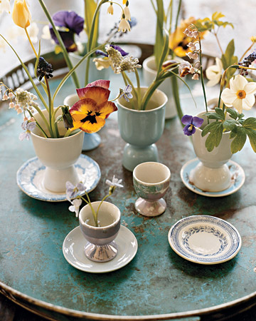 last minute decorating idea spread out spring flowers across the easter table by, easter decorations, seasonal holiday d cor, Egg cups as vases for flowers