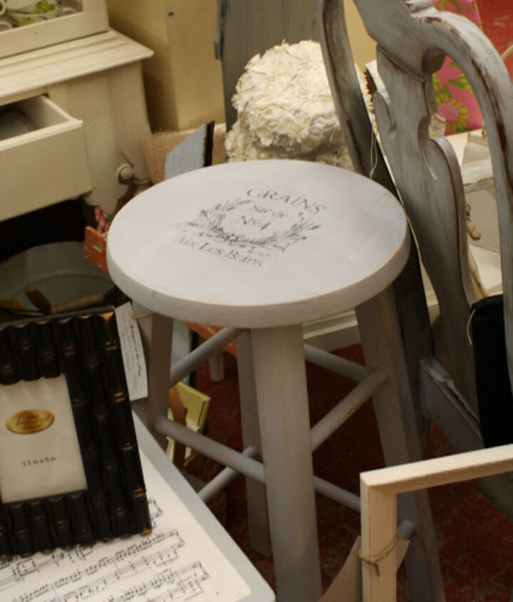 q i got lucky and bought 6 wood stools and want to put some kind of art work on them, painted furniture, shabby chic
