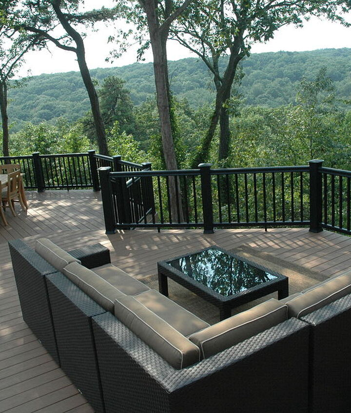 Tip: Orient the furniture to the view that you would like your guests to enjoy. http://www.deckandpatio.com/decks/portfolio.html