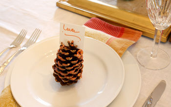 glitter pine cone place cards, crafts, seasonal holiday decor, thanksgiving decorations, Fit the place card on top of the pine cone voila Happy Thanksgiving