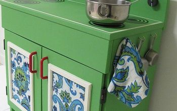 BEFORE & AFTER: The Makeover of a Wooden Play Kitchen