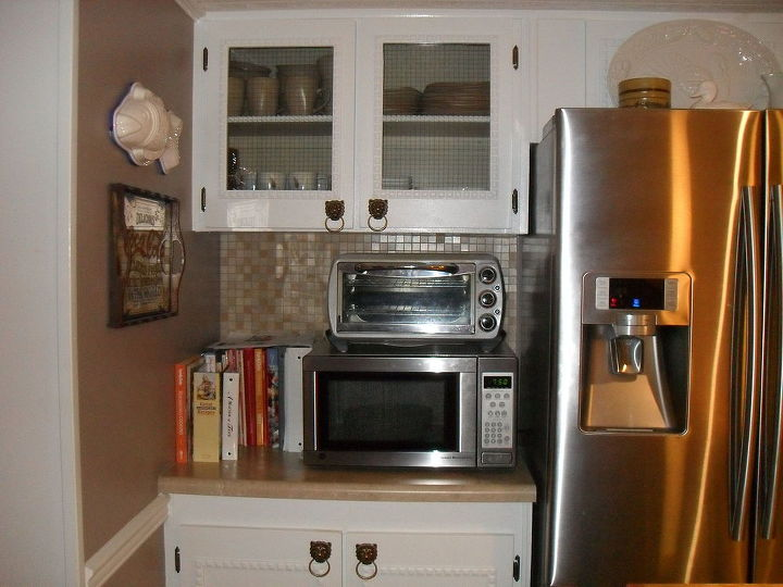 repainted all the walls in our mobile home and redone our kitchen, bathroom ideas, home decor, home improvement, kitchen backsplash, kitchen design