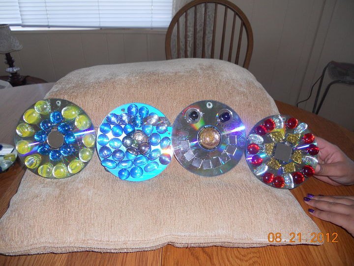 q new creations of cd disc spinners and tiers, crafts, Look at her happy face anna