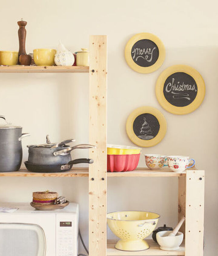 Thrift store dishes upcycled into customizable wall decor!