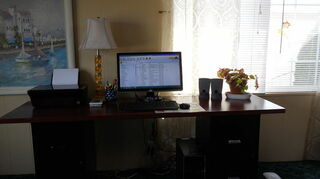 q desk clutter i need help, cleaning tips