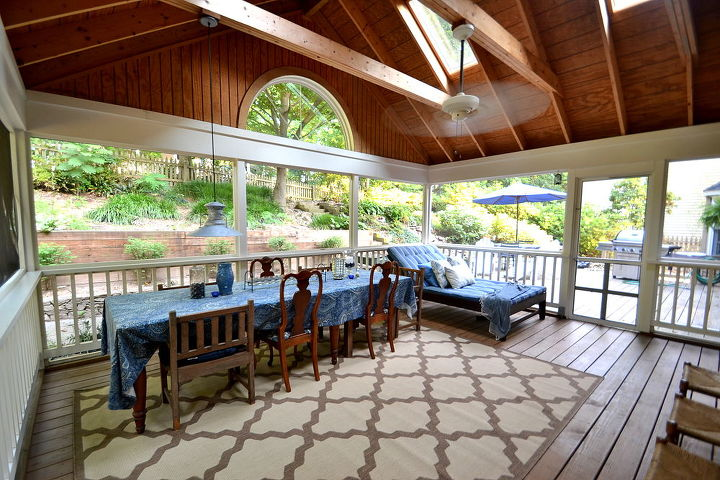Screened-In Porch {view from console table area}