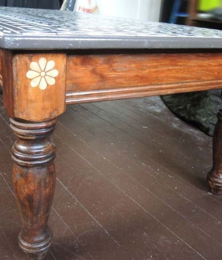refinishing this little coffee table, painted furniture
