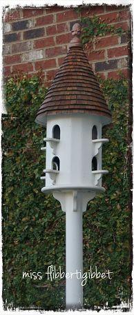 My pretty birdhouse. My husband built it!