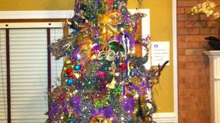 q how long do you leave your christmas tree up, seasonal holiday decor