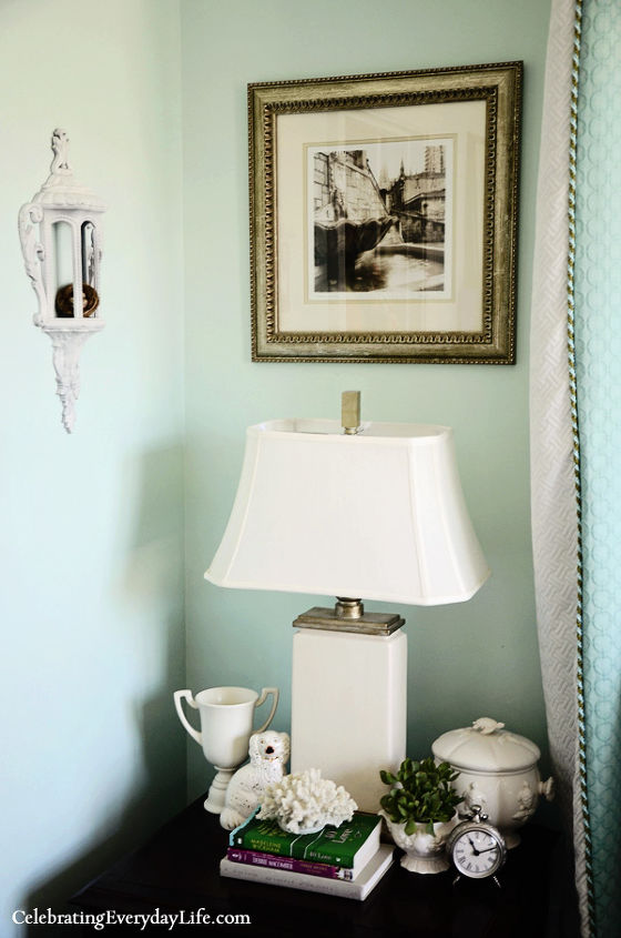 Bedside table in my Turquoise and White Bedroom