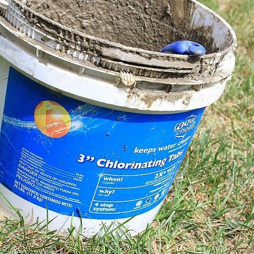 quick and easy concrete mixing, concrete masonry, Start with an ordinary bucket