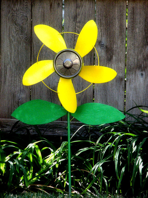 fan blade sunflower pinwheel, crafts, flowers, gardening