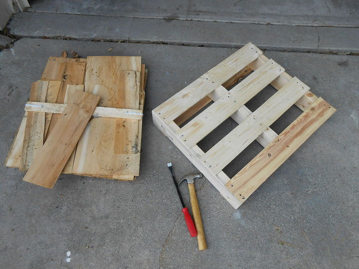 from pallet to wall planters, diy, gardening, pallet, repurposing upcycling, woodworking projects