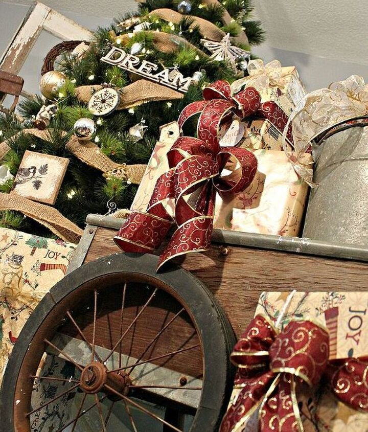 A rustic wagon holds all of Santa's gifts!
