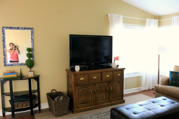 i need your help what does my living room need, home decor, living room ideas, tv and media stand