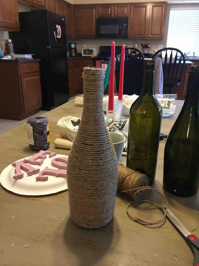 love wine bottles, crafts, repurposing upcycling