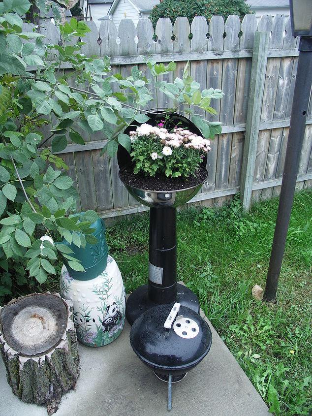 broken grill makeover, gardening, repurposing upcycling, broken grill 2