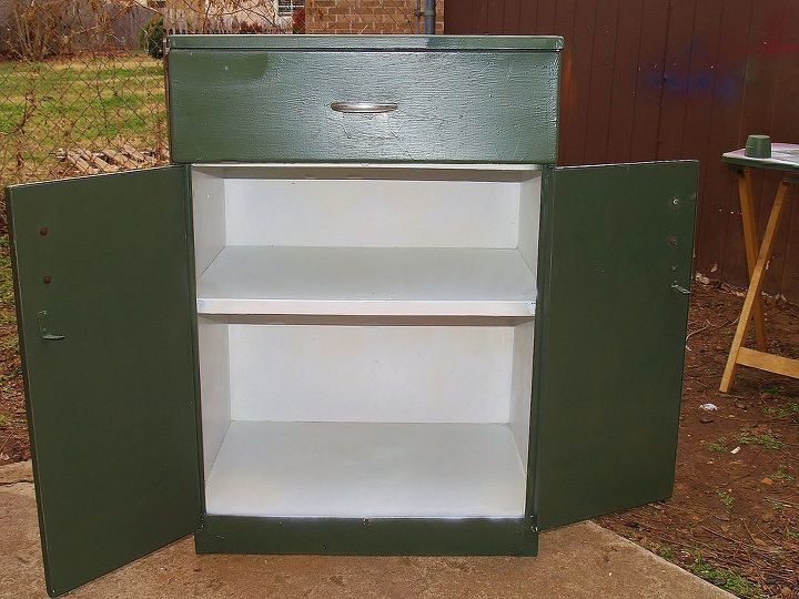 50 s metal cabinet make over, painted furniture, Some kilz and a coat of paint does wonders