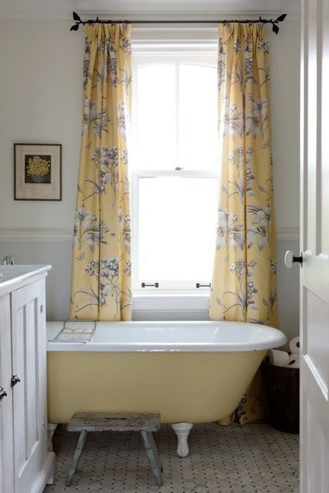 I love a painted clawfoot tub.